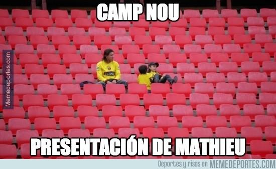 365622 - El Camp Nou cuando Mathieu sea presentado