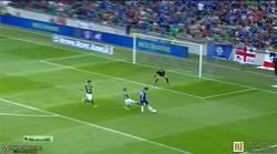 Enlace a GIF: Primer gol de Diego Costa con la camiseta del Chelsea
