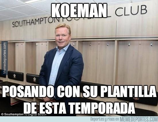 367361 - Koeman y su plantilla