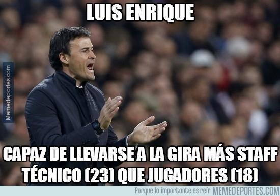 367945 - El numeroso staff técnico de Luis Enrique
