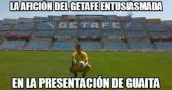 Enlace a La afición del Getafe llenando el campo para Guaita