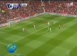 Enlace a GIF: El primer gol de la Premier 14/15. Ki Sung Yong en el Manchester United vs Swansea