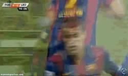 Enlace a GIF: El esperado debut de Suárez con el Barça
