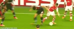 Enlace a GIF: Alexis ya caracolea con el Arsenal