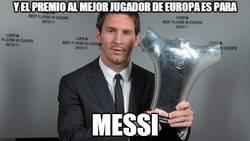 Enlace a ¡Y el premio para el mejor jugador de Europa es para Messi!