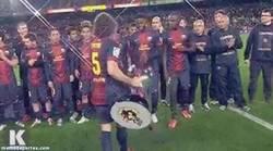 Enlace a GIF: Lo más destacado de Song en el Barça es este fail
