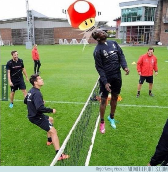 379758 - Super Mario Balotelli entrenando con el Liverpool
