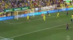 Enlace a GIF: Gol de Sandro tras una buena jugada de Messi