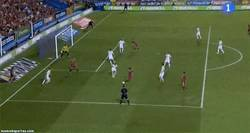 Enlace a GIF: Gol de Silva, que pone la calidad como siempre