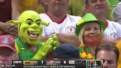 Enlace a GIF: Ni Shrek se quiere perder el EEUU - Lituania