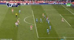 Enlace a GIF: ¡Golazo de Alexis que remonta el partido!