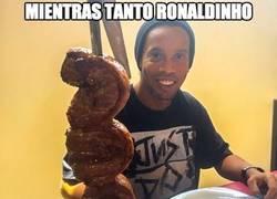Enlace a Mientras tanto Ronaldinho