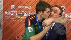 Enlace a Casillas al ver que Florentino hace lo que él quiere, juegue mal o bien