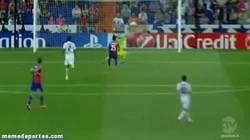 Enlace a GIF: La tremenda parada de Casillas, reinvindicándose