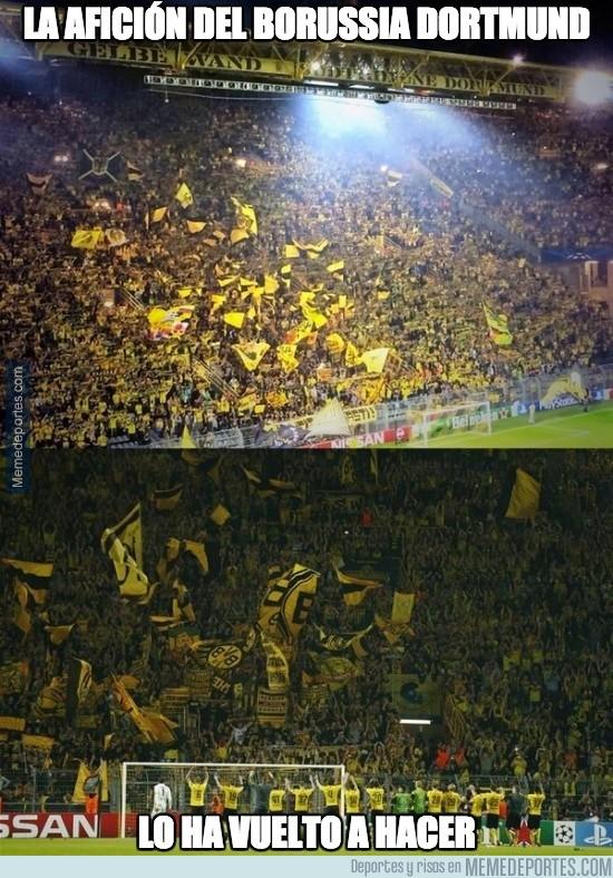 388453 - La afición del Borussia Dortmund lo ha vuelto a hacer