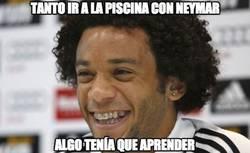 Enlace a Tanto ir a la piscina con Neymar