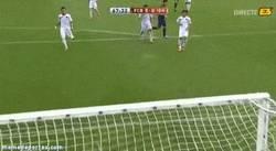 Enlace a GIF: Suárez calentando motores, golazo con el Barça B