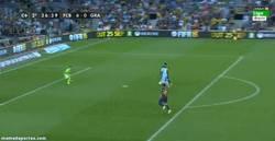 Enlace a GIF: ¡Gol numero 401 de Messi!