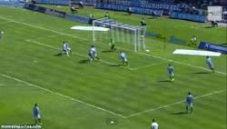 Enlace a GIF: Gol del Tenerife que le da la victoria en el derbi canario vs Las Palmas
