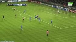 Enlace a GIF: Aduriz recorta distancias y da esperanza al Athletic