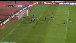 Enlace a GIF: Sorpresa en Champions ¡Gol del Ludogorets!
