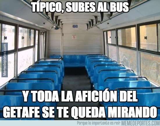 394014 - Típico al subir al bus