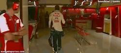 Enlace a GIF: Vettel no se espera al año que viene, ya está impaciente