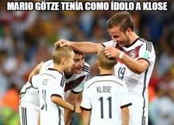 Enlace a Mario Götze tenía como ídolo a Klose