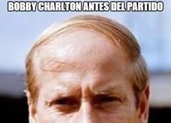 Enlace a Bobby Charlton antes y después del partido