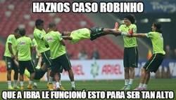 Enlace a Haznos caso, Robinho