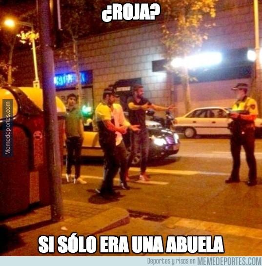 398842 - Los memes de Piqué con la poli están llegando