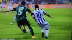 Enlace a GIF: Golazo de Pogba que evitaba la derrota de la Juve ante el Sassuolo