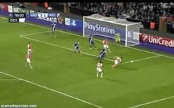 Enlace a GIF: Remonta el Arsenal en el 91. Wenger respira en paz