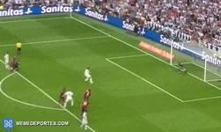 Enlace a GIF: Así es cómo Cristiano cortó la racha de Bravo