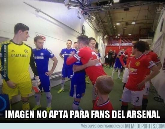 403455 - Imagen no apta para fans del Arsenal