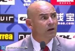Enlace a GIF: Paco, ¿qué opinas que a Zidane le hayan concedido la cautelar? ¿Mano de florentino?