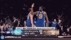 Enlace a GIF: Ignorada muy top de Curry a su compañero