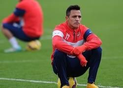 Enlace a Alexis al ver el bajo rendimiento de sus compañeros de Chile