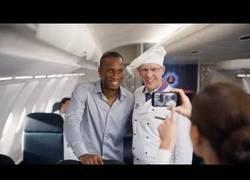 Enlace a VÍDEO: El nuevo y divertido anuncio de Turkish Airlines con Messi y Drogba