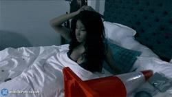 Enlace a GIF: ¡Nicki Minaj se da cuenta de que se acostó con Arbeloa!
