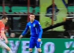 Enlace a GIF: Los años no perdonan. Buffon contra Croacia