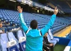 Enlace a GIF: Así celebra Eden Hazard un gol en el FIFA 15 contra sus propios fans