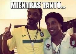 Enlace a Ronaldinho y Snoop Dogg, tal para cual
