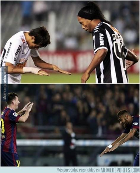 414481 - Lo hizo con Ronaldinho y ahora con Messi. Neymar reconoce a sus ídolos