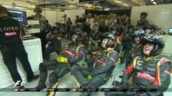 Enlace a La reacciones de risas del equipo de Lotus tras el incendio en el coche de Maldonado