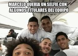 Enlace a Alguien arruina la foto de titulares de Marcelo