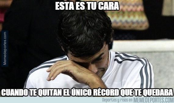 415409 - La cara de Raúl al ver el gol de Messi ante el Apoel