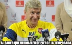 Enlace a Wenger al saber que Vermaelen se pierde la temporada