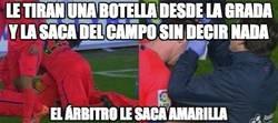 Enlace a Amarilla a Messi por agredir a una botella