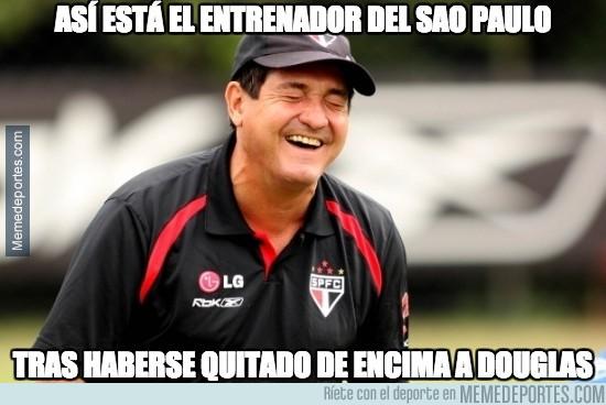 419172 - En Sao Paulo todo son risas tras la venta de Douglas